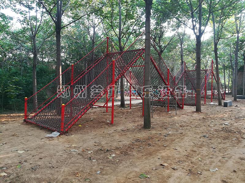 郑州中原路莱顿庄园体能乐园安装场地